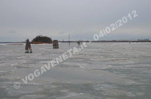 Laguna di Venezia ghiacciata